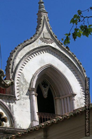 Lucarne-chapelle sur un toit d'une maison de 1862. Photo © André M. Winter