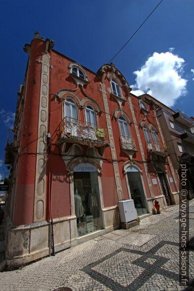 Maison d'Art Nouveau avec ouvertures arrondies. Photo © André M. Winter