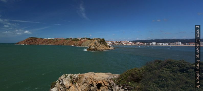 Ouverture entre les deux caps de la baie de São Martinho do Porto. Photo © André M. Winter