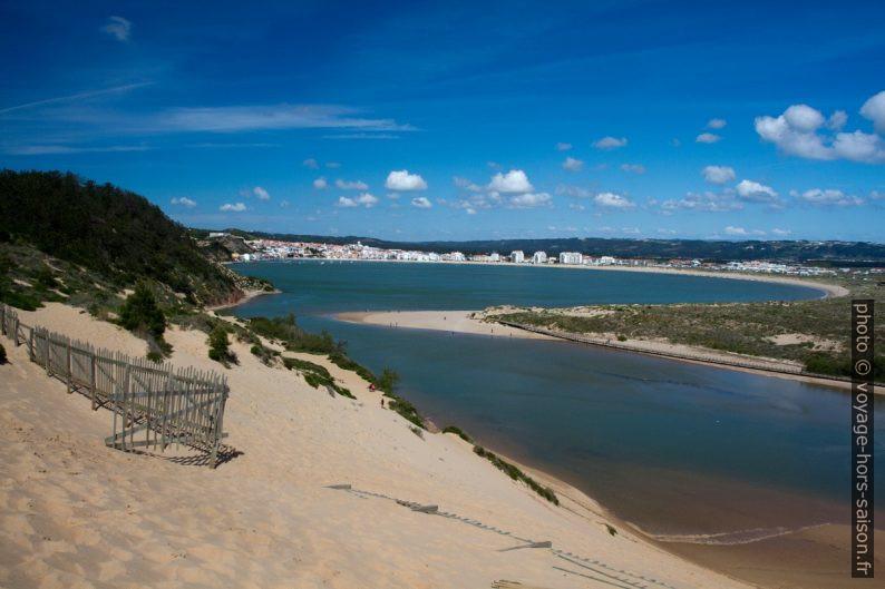 Duna de Salir do Porto e Baía de São Martinho do Porto. Photo © Alex Medwedeff