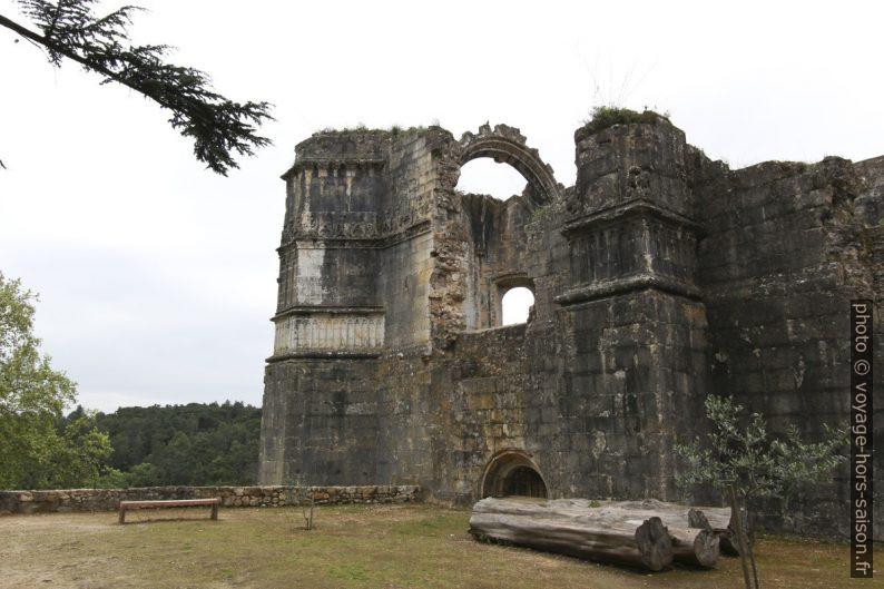 Ruine de la salle capitulaire du Couvent de l'ordre du Christ. Photo © André M. Winter