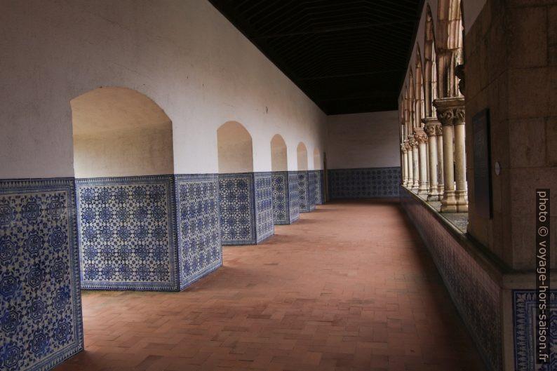 Large couloir supérieur du Claustro do Lavagem. Photo © André M. Winter