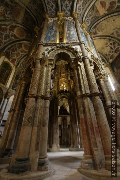 Structure octogonale centrale de la Charola do Convento de Cristo. Photo © André M. Winter
