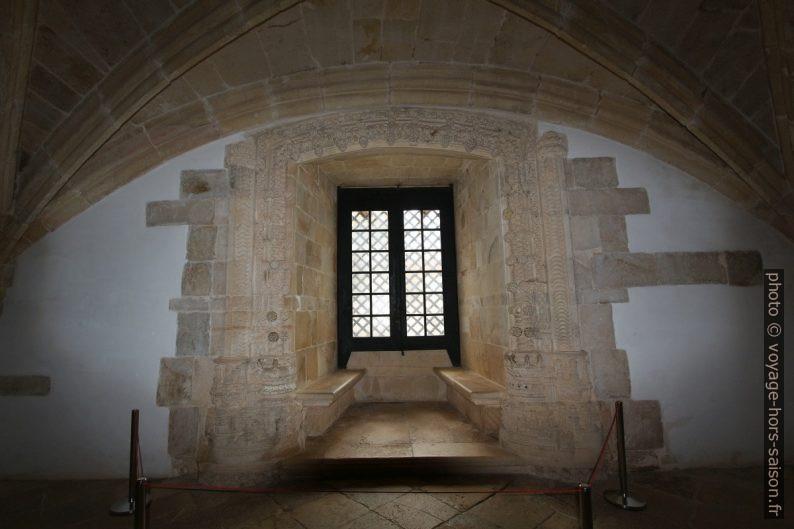 Fenêtre manuéline dans le du Couvent de l'ordre du Christ. Photo © André M. Winter