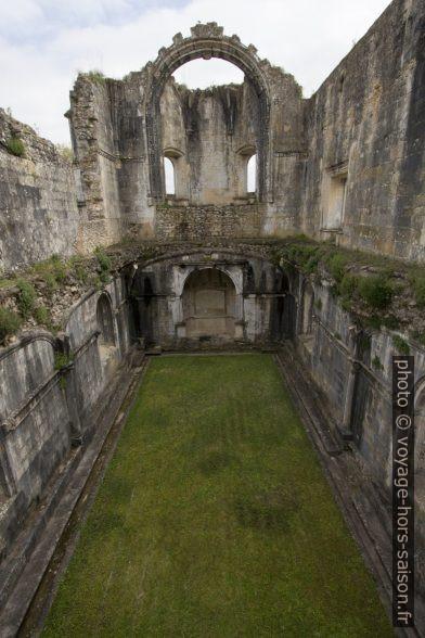Salle capitulaire en ruine du Couvent de l'ordre du Christ. Photo © André M. Winter