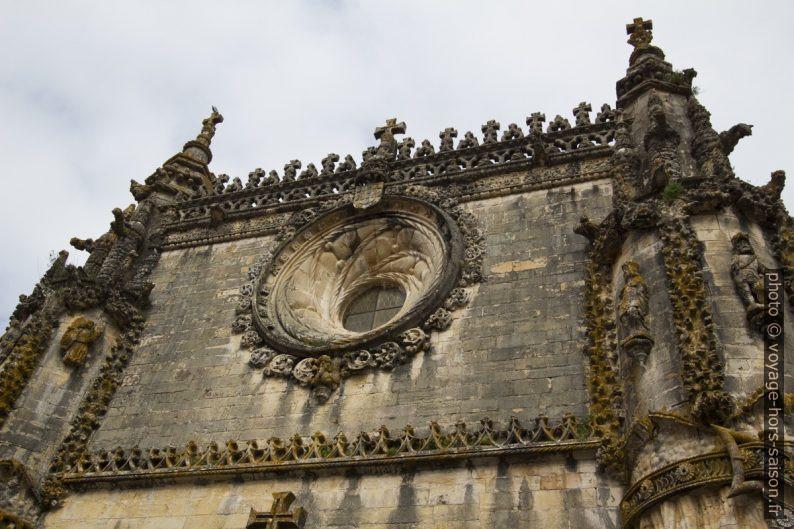Rosace de la nef de l'église manuéline du Couvent de l'ordre du Christ. Photo © André M. Winter