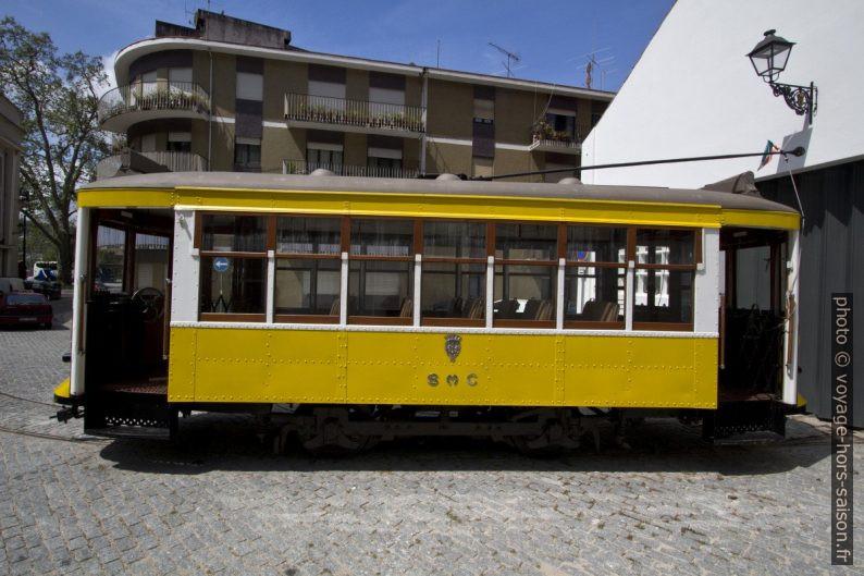 Rame SMC 15 du tramway de Coïmbre. Photo © André M. Winter