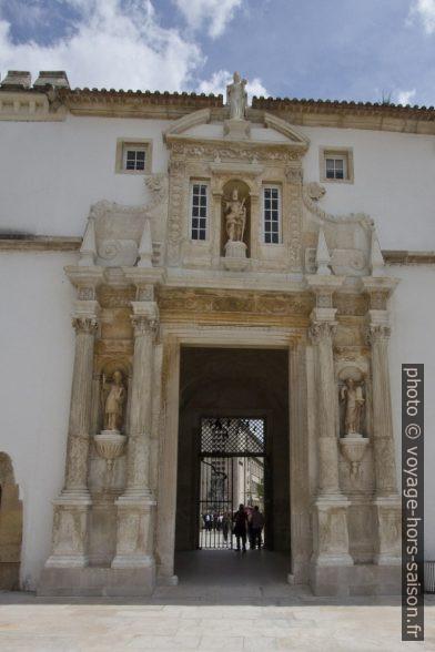 Porta Férrea de l'Université de Coimbra. Photo © André M. Winter