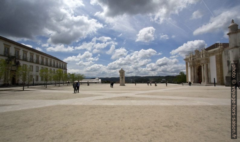 Pátio das Escolas de l'Université de Coimbra. Photo © André M. Winter