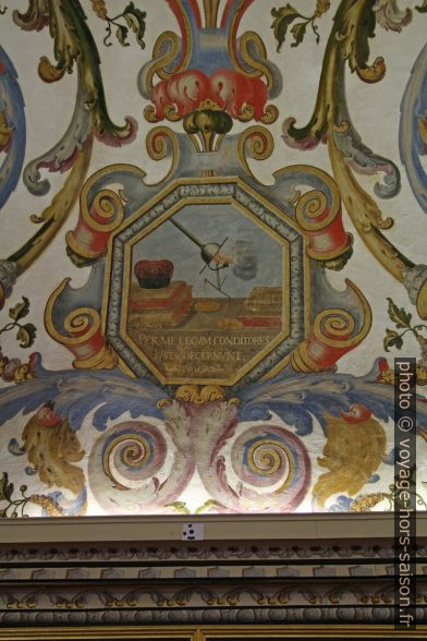 Allégorie de la justice peinte au plafond de la Sala do Exame Privado. Photo © André M. Winter