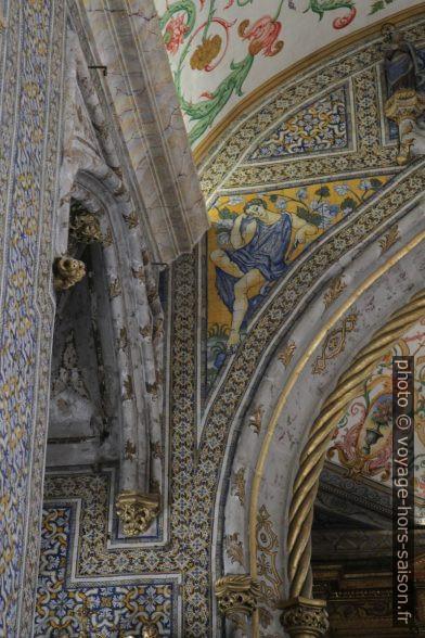 Détail des décors de la Capela de São Miguel. Photo © Alex Medwedeff