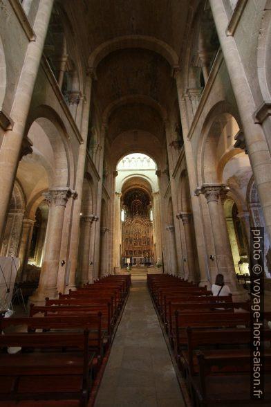Nef de la Cathédrale Velha de Coimbra. Photo © André M. Winter