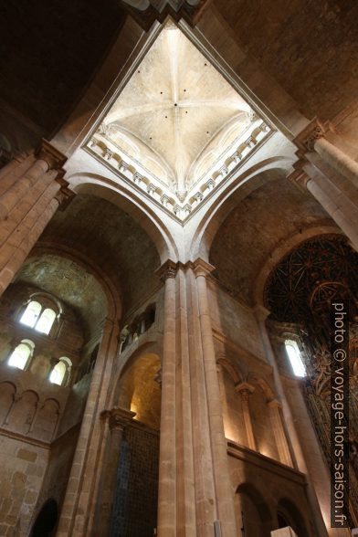 Croisée du transept de la Sé Velha de Coimbra. Photo © André M. Winter
