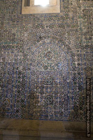 Azulejos dans la Cathédrale Vieille de Coïmbre. Photo © André M. Winter