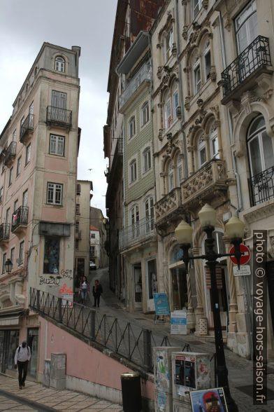 Montée de la Rua do Corpo de Deus. Photo © Alex Medwedeff