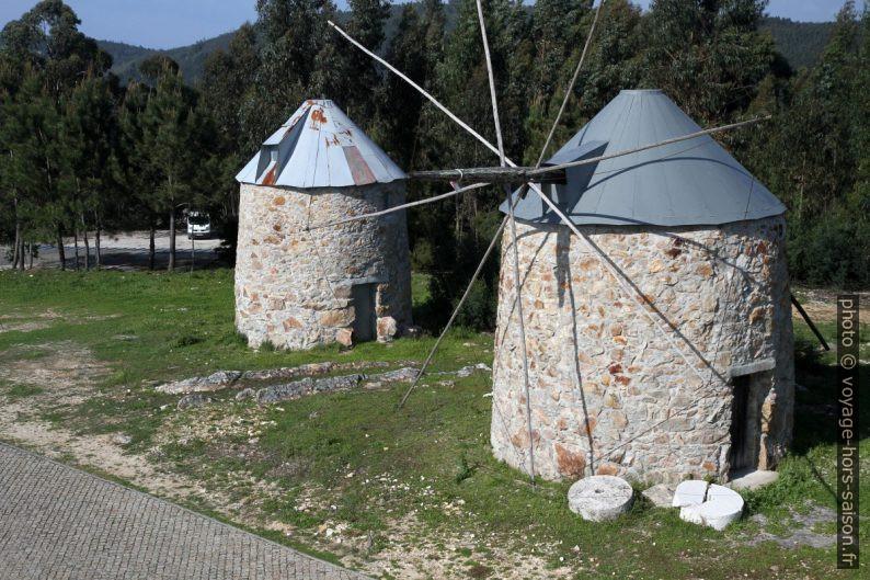Deux des moulins de Moinhos de Gavinhos. Photo © André M. Winter