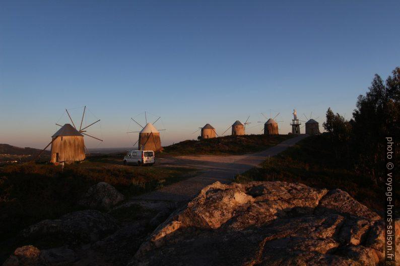 Notre Trafic au lever de soleil près des Moinhos de Gavinhos. Photo © André M. Winter