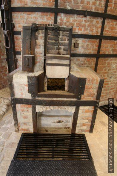 Un foyer de chauffage du four à céramique n° 9 de Vista Alegre. Photo © André M. Winter