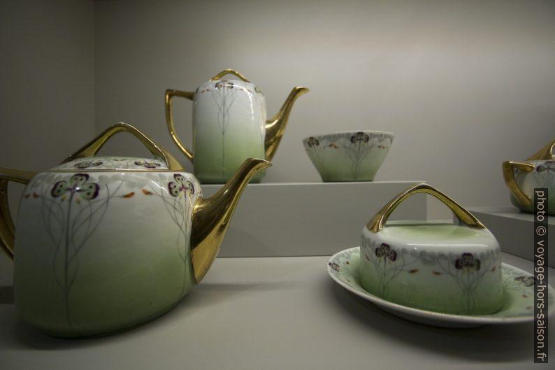 Serviço de chá oriental. Photo © André M. Winter