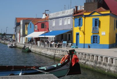 Anciens entrepôts de sel du Canal de São Roque. Photo © Alex Medwedeff