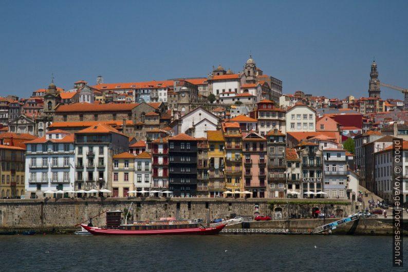 Cais da Ribeira et Porto vus de Gaia. Photo © Alex Medwedeff