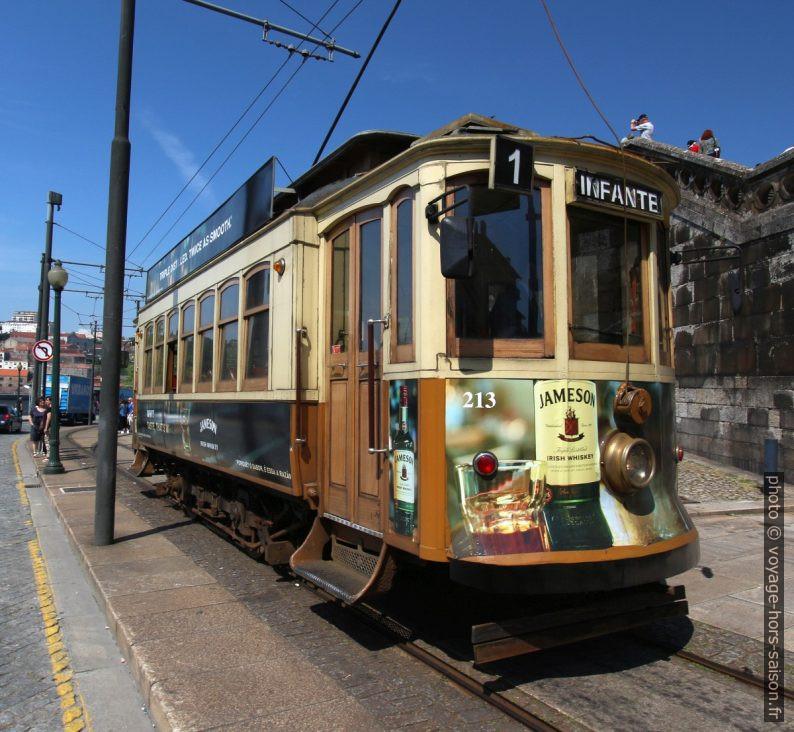 Tramway n° 1 de Porto au terminus Infante. Photo © André M. Winter