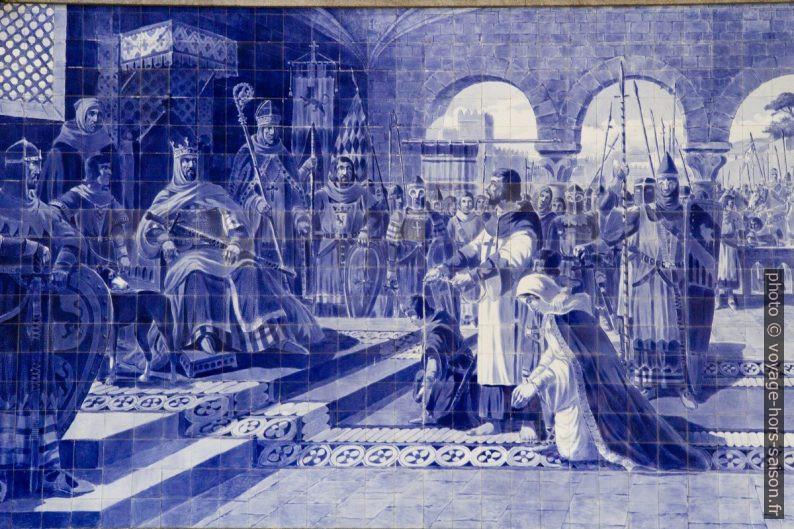 Azulejo Egas Moniz o Aio se présente au roi de León avec sa famille. Photo © Alex Medwedeff