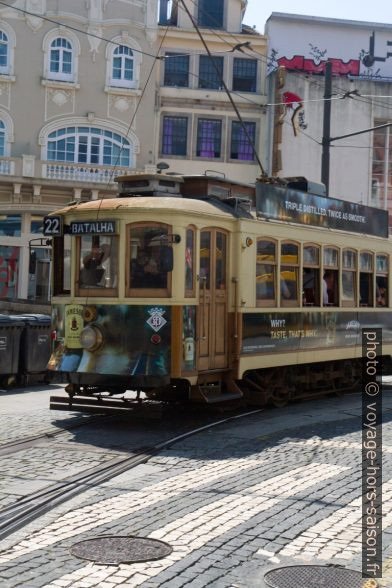 Tram n° 22 avec destination Batalha. Photo © André M. Winter