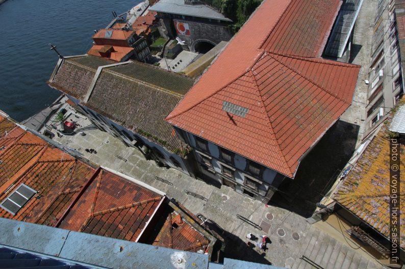 Escadas do Codeçal, Igreja de Nª Srª do Patrocínio e R. da Srª das Verdades. Photo © André M. Winter