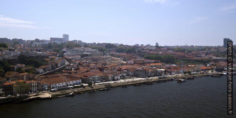 Vila Nova de Gaia vue du Pont Dom Luís. Photo © André M. Winter