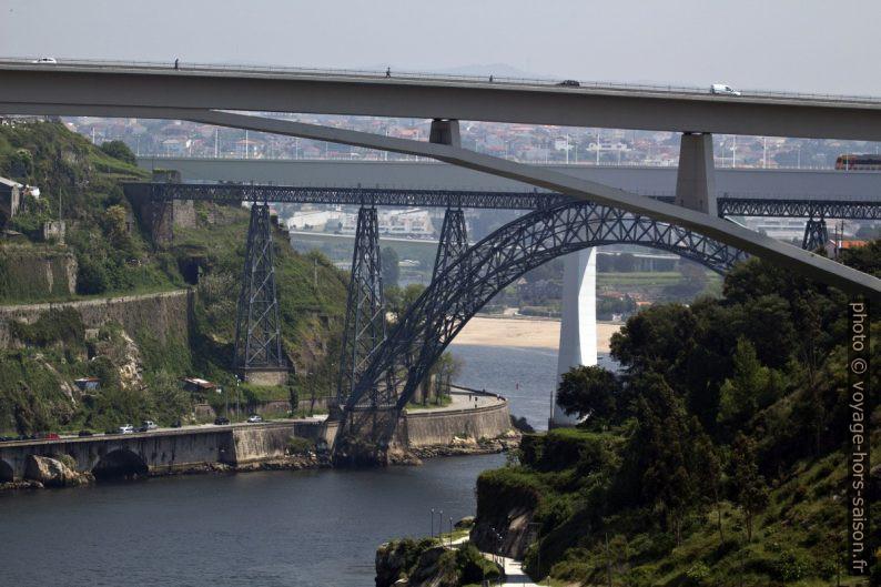 Ponte do Infante, Ponte Dona Maria Pia e Ponte São João. Photo © André M. Winter