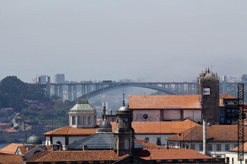 Ponte da Arrábida. Photo © André M. Winter