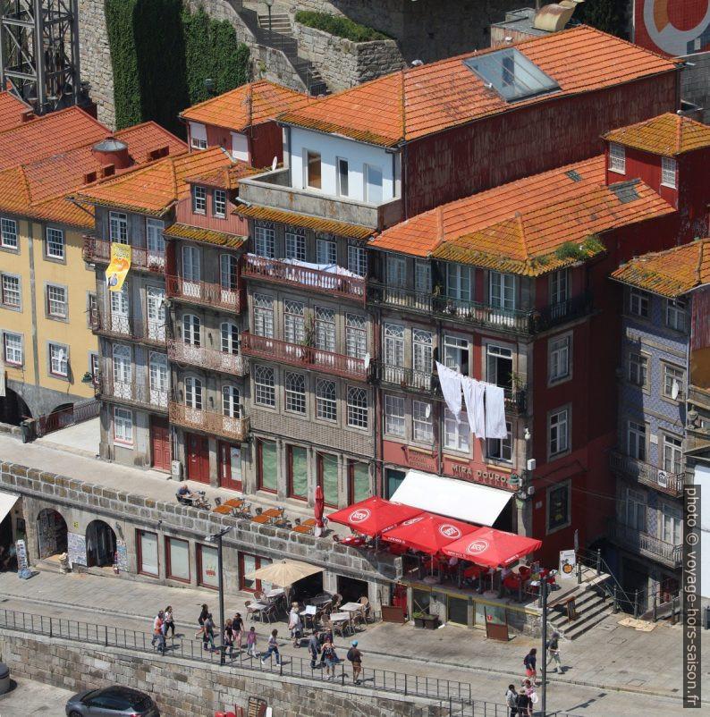 Maisons du Cais da Ribeira vues du Pont Dom-Luís. Photo © André M. Winter