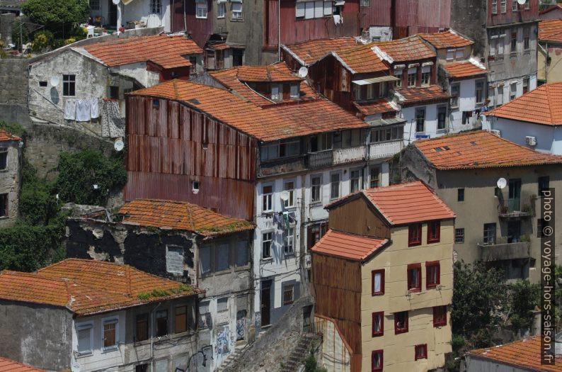 Maisons du quartier des Guindais. Photo © André M. Winter