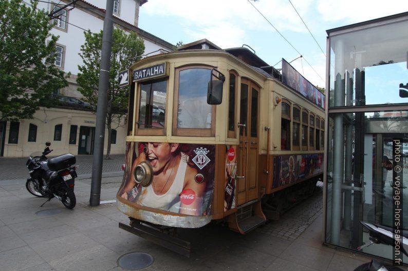Rame de type Salão du tramway de Porto au terminus Batalha. Photo © André M. Winter