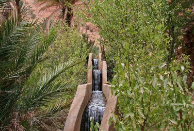 Canal d'irrigation à Aït Mansour. Photo © Alex Medwedeff