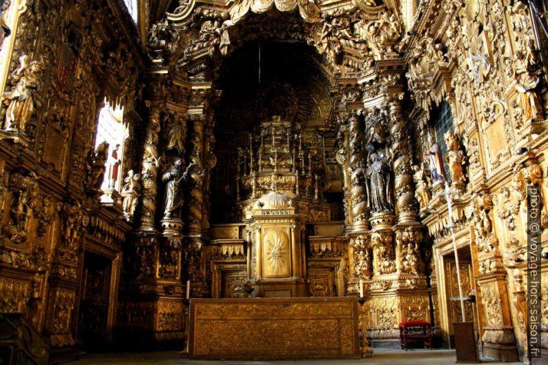 Autel doré de l'église Santa Clara à Porto. Photo CCSA2 Wikimédia Rui Bittencourt