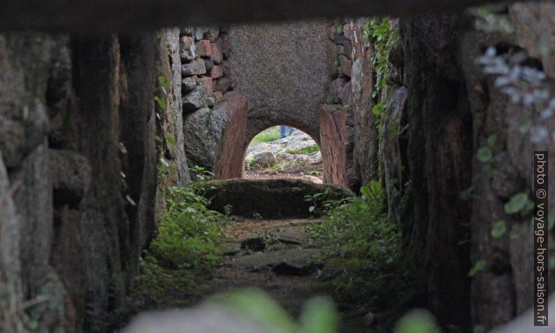 Ouverture symbolique de la tombe des géants de Coddu Vecchiu. Photo © André M. Winter