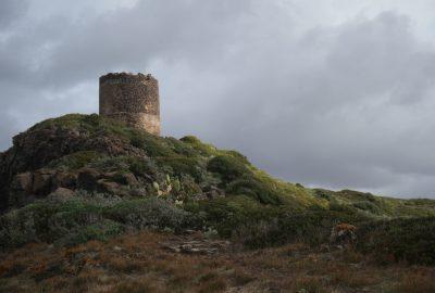 Torre Foghe vu du cap Foghe. Photo © Alex Medwedeff