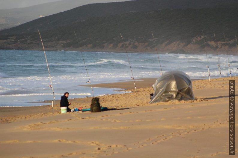 Pesca dalla Spiaggia di Piscinas. Photo © André M. Winter
