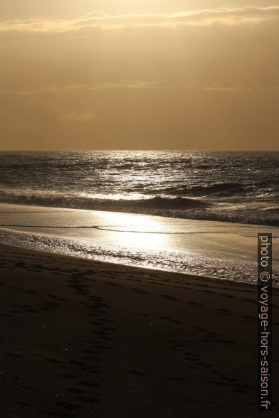 Contre-jour à la plage de Piscinas. Photo © André M. Winter
