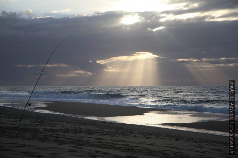 Rayons de soleil baroques et canne à pêche. Photo © Alex Medwedeff