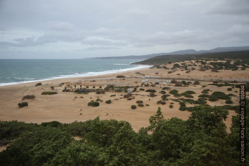 Hotel Le Dune sur la plage de Piscinas. Photo © Alex Medwedeff