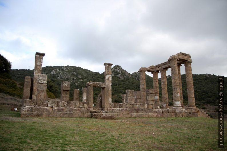 Vue latérale du Temple d'Antas. Photo © Alex Medwedeff