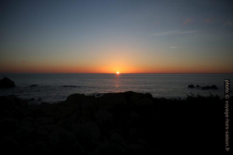 Lever du soleil. Photo © Alex Medwedeff