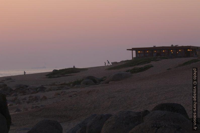 Restaurant Aqua à la Praia de Salgueiros. Photo © André M. Winter
