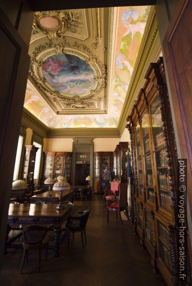 Bibliothèque du Palácio da Bolsa. Photo © André M. Winter