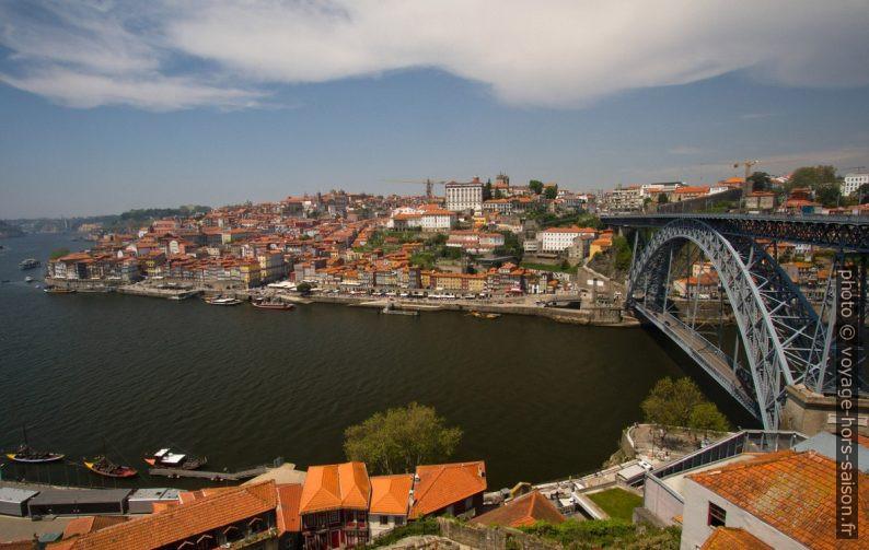Porto, le Douro et le Pont Luís I. Photo © Alex Medwedeff