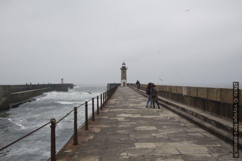 Farolim das Felgueiras sur l'ancienne digue au nord de l'estuaire du Douro. Photo © André M. Winter