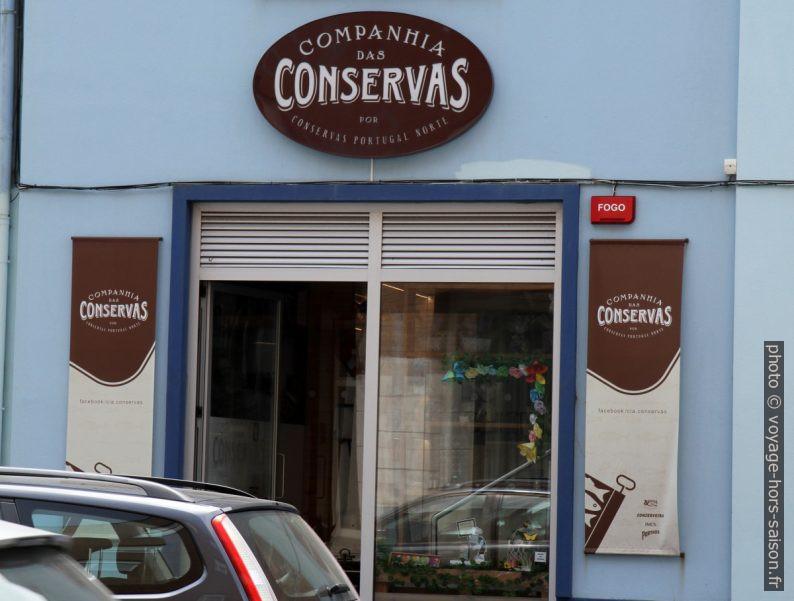 Local de vente de la Companhia das Conservas Portugal Norte. Photo © André M. Winter